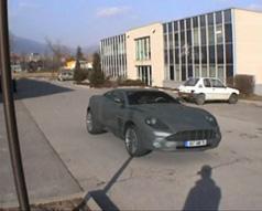 Aston Martin Vanquish - Tracking 3D